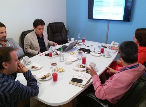 Intdata se reunió con Samsung para conocer detalles de transición de área de impresoras a HP