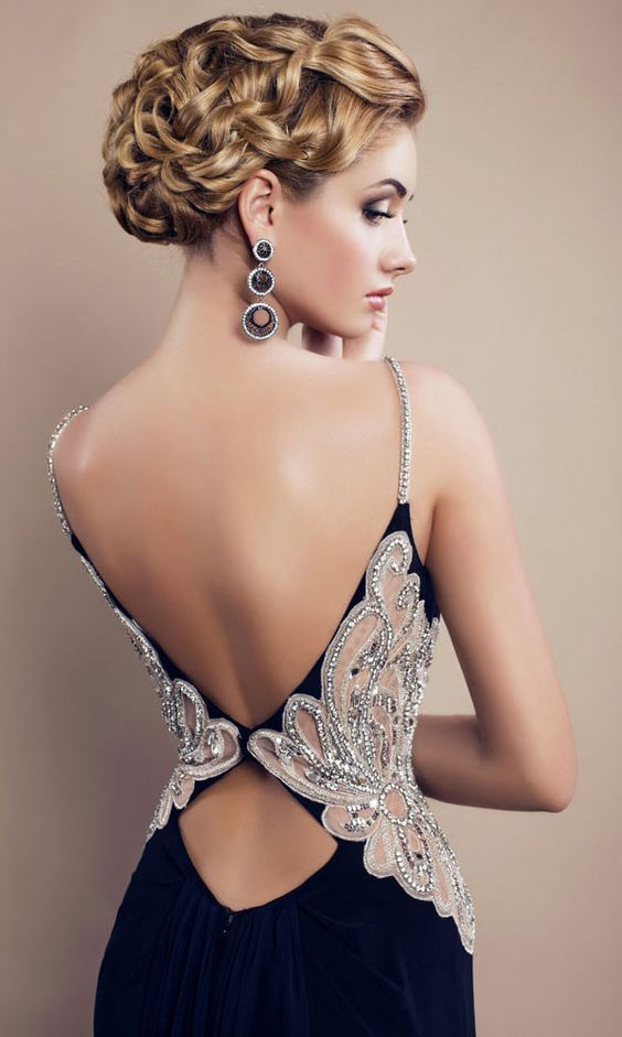 32 Beautiful Backless Dresses Ideas For A Sexy Look