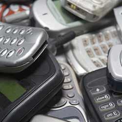 earthtalk-phones