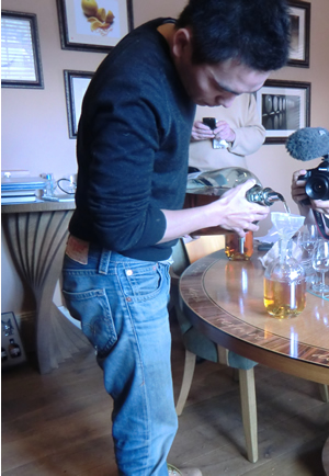 Filling our personalised bottles of The Glenrothes