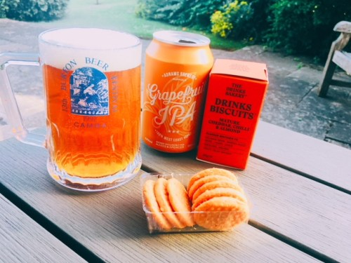 The Mature Cheddar, Chilli & Almond Drinks Biscuits paired beautifully with an Adnams Grapefruit IPA