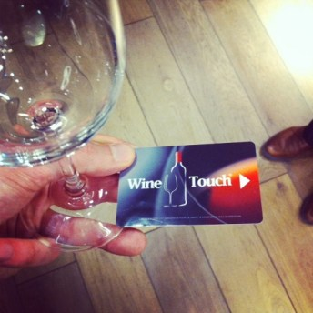 Wine touch distributeur vin au verre paris