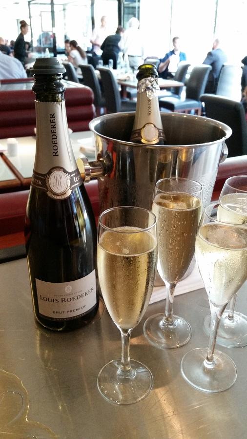 brunch restaurant lafayette hyatt regency paris etoile champagne roederer