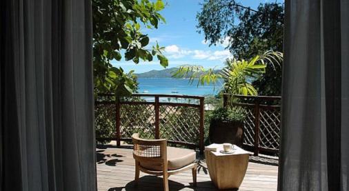 terrasse vue chambre domaine de l'orangeraie seychelles lune de miel