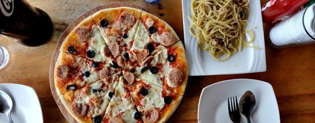 Yummy pizza and pasta!