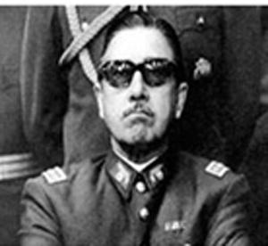 EL ABRAZO PERDIDO DEL GENERAL