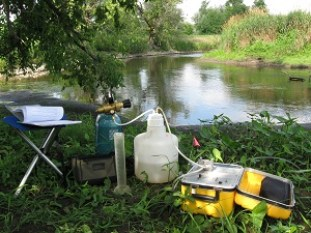 """""""Push-Pull"""" set-up for measuring Denitrification, Fall Creek, Freeville, NY. Photo By: Lauren McPhillips"""