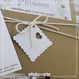 Tags com coração vazado para nomes dos convidados (convite casamento)