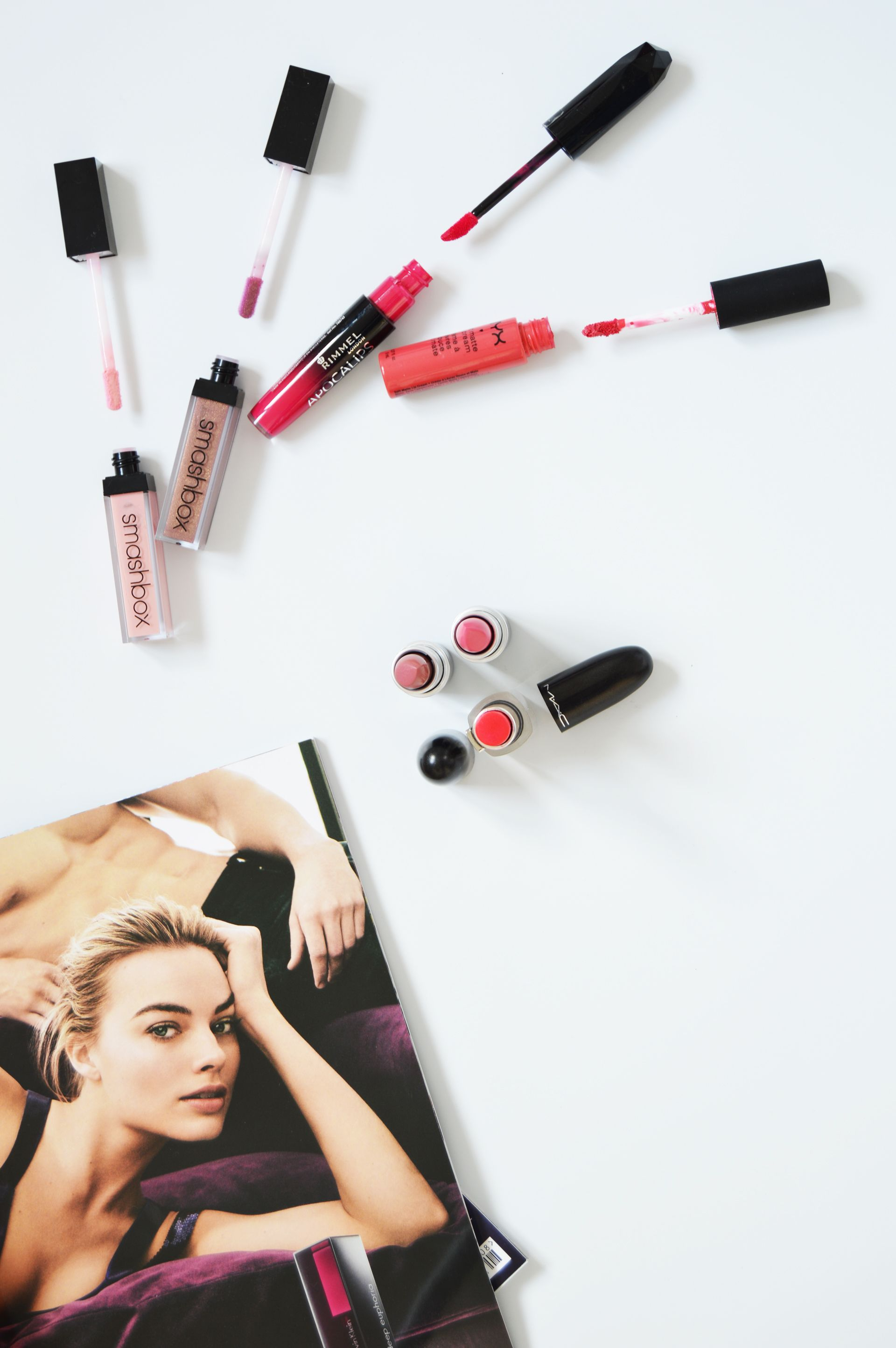 Summer lipstick colours are everywhere, there's something for everyone. Pinks, fuchsias or even nudes, you can find your perfect summer lipstick colour.
