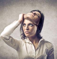 Să simți sau să nu simți în lumea această hiperactivă? Empatie sau indiferență?