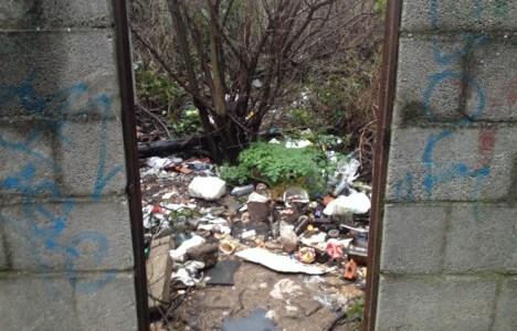 Imagen de un solar abandonado en la calle Rañadero