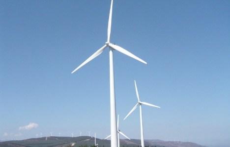 Palas eólicas en El Bierzo, donde LM ha ampliado ya producción y trabajadores