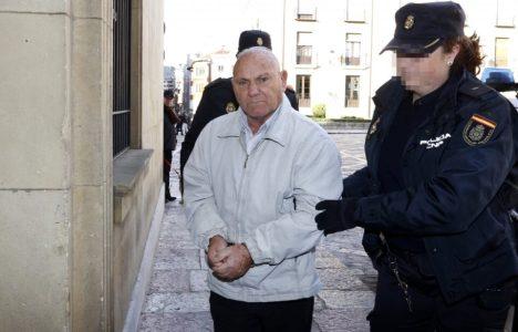 El fratricida entra en la Audiencia Provincial de León (Carlos S. Campillo / Ical)