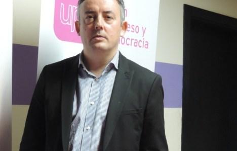 El candidato por UPyD  Manuel Ángel Morales Escudero, de 46 años, profesor y abogado