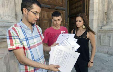 Ricardo Bouzas, a la izquierda, es el portavoz de la plataforma Pro Campus de Ponferrada