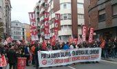La pancarta que encabezaba la manifestación, pidiendo la subida salarial