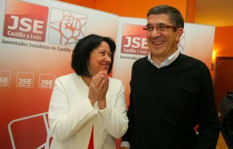 Patxi López, junto a la candidata socialista Ángela Marqués (César Sánchez / Ical)