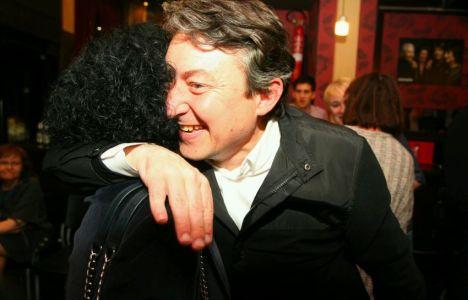 Folgueral saluda a su compañera de partido Montserrat Santín (C. Sánchez)