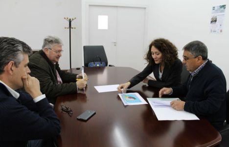 Gloria Merayo, junto a los responsables de la UNED en Ponferrada