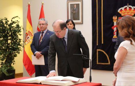 Juan Vicente Herrera durante la toma de posesión (Eduardo Margareto)