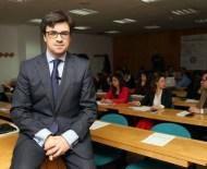 El director de Comunicación de la Junta, Alejandro Salgado. (Foto: Leticia Pérez)