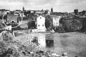 Localización de 'La Bóveda', donde estaba la antigua sinagoga, próxima al puente Cubelos de Ponferrada. (Foto: César Sánchez)