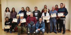 Los alumnos del taller posaron, orgullosos, con sus diplomas