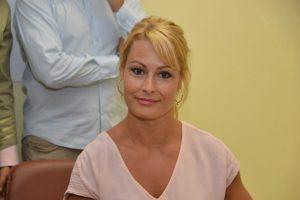 Imagen de Lydia Valentín durante el reconocimiento que le hizo el Consejo Comarcal / QUINITO