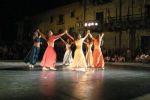 inquedanza-fotos-calle-actuacion-ano-2011-1