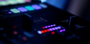 Sneak Preview: Traktor's 2+2 Control DJ Mixer