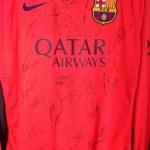 Un ex madridista paga ¡2000 euros por una camiseta del Barça! (Foto)