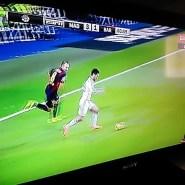 Video GOL: Golazo de Benzema tras fallo garrafal de Iniesta