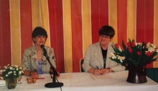 Marianne Enge & Solveig Hammarbäck vid årsmötesförhandlingarna