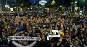 بالصور.. جماهير ريال مدريد تهاجم لاعبي الفريق بعد خسارة برشلونة
