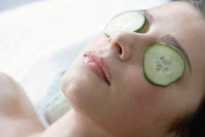 cucumber-eye-treatment1