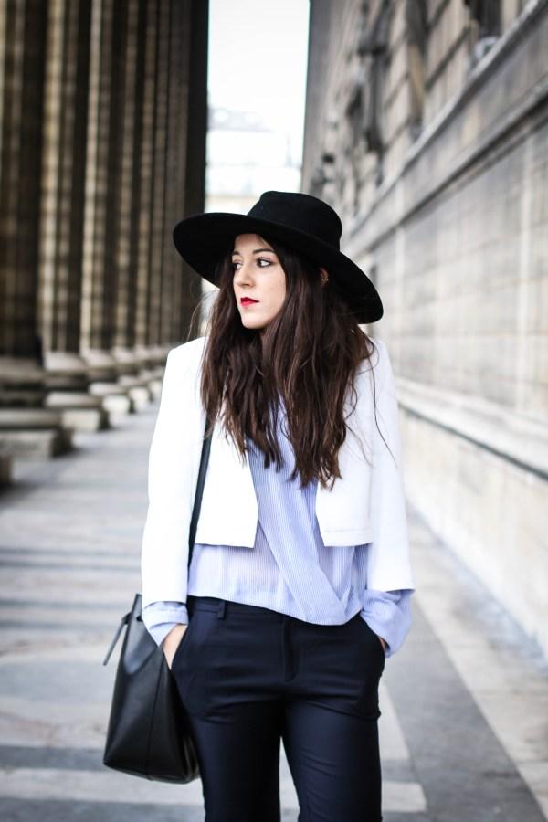 White blue outfit elodie in paris - Comptoirs des cotonniers paris ...