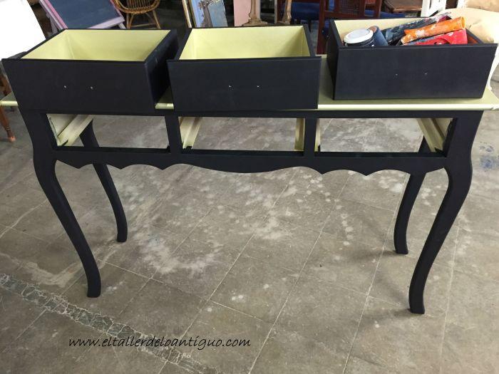 1-mueble-oro-y-negro