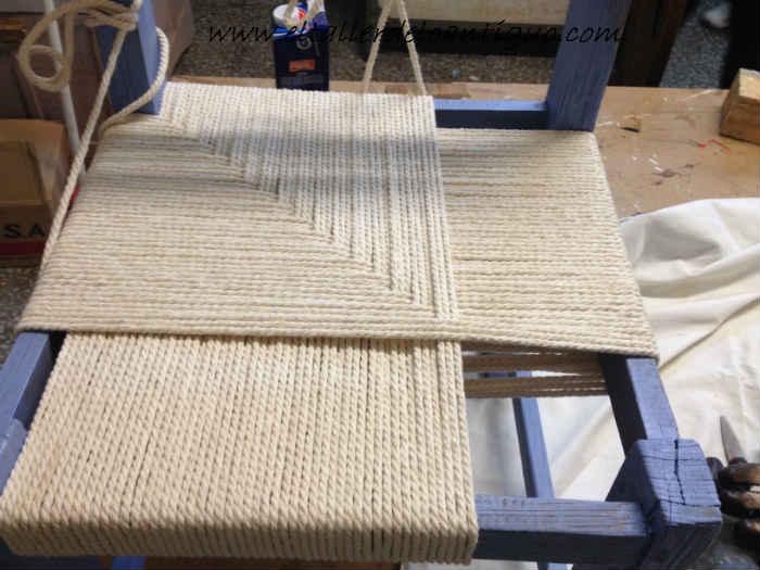 Como encordar una silla de campo el taller de lo antiguo for Como tapizar sillas antiguas