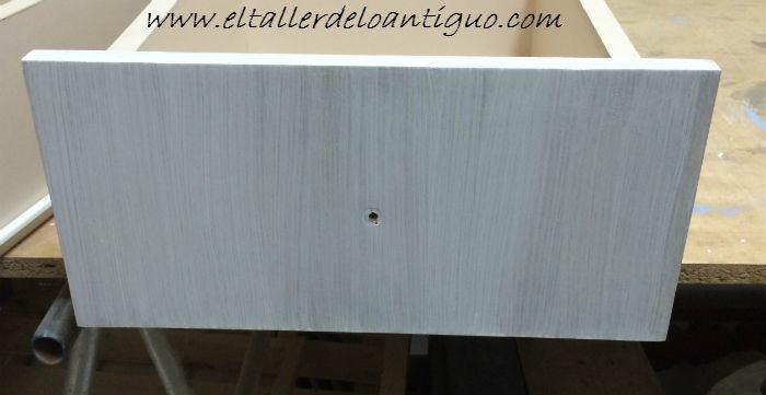 Como pintar muebles de melamina el taller de lo antiguo for Pintar muebles de formica