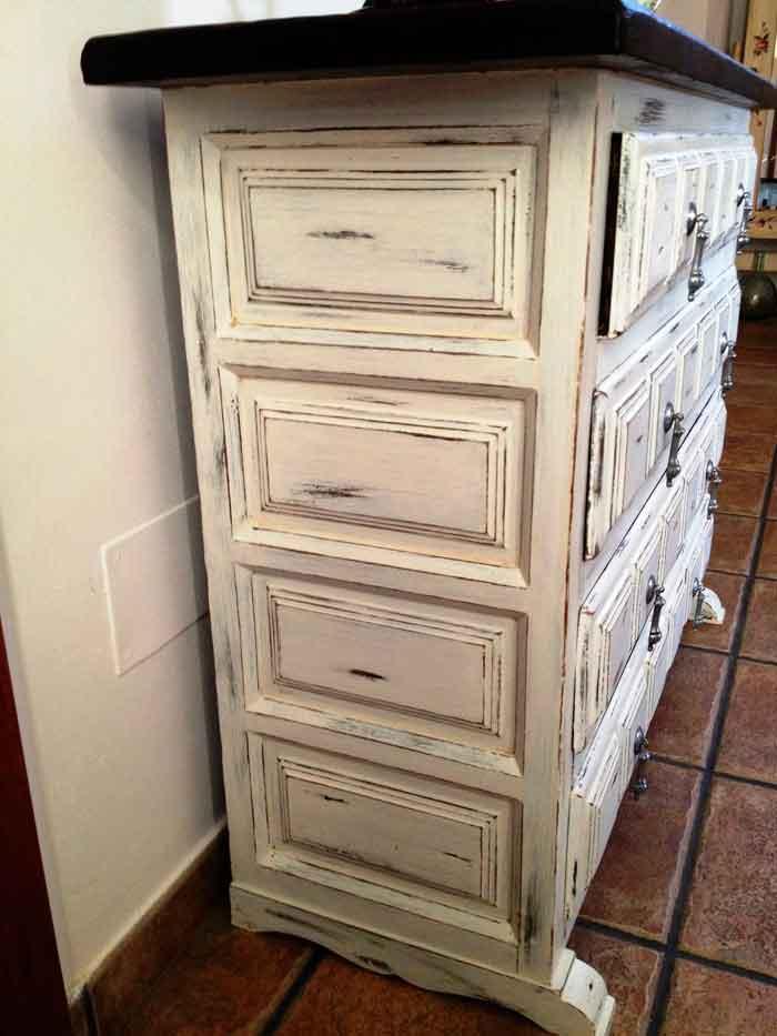 De mueble castellano a shabby chic el taller de lo antiguo for Muebles pintados a la tiza