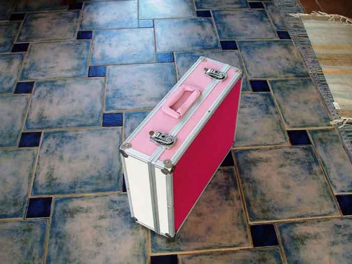 restaurar-maletin-de-manualidades