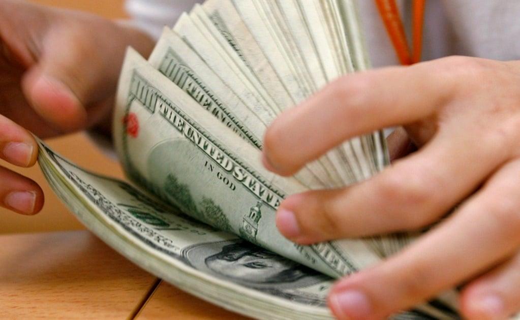 En $19.71 cierra dólar a la venta en bancos