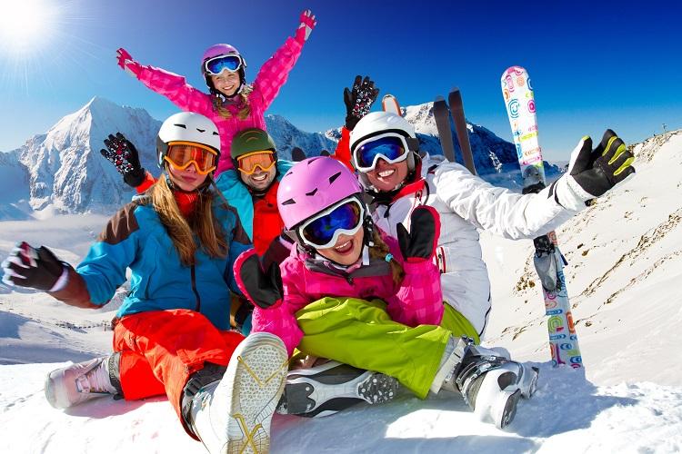 Escolha o seguro viagem certo para esquiar