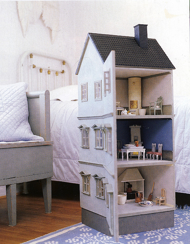 Dolls house Thank heavens for little girls