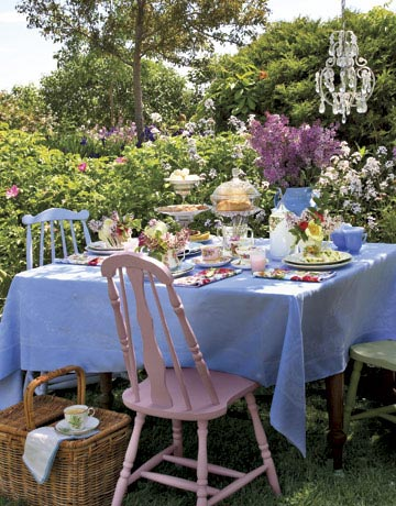 tea party table rep0507 de Alfresco Glam: Outdoor Table Decoration Ideas