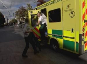 paramedics-episode-1-27-390x285