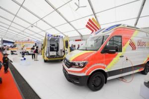 Uno dei primi Volkswagen Crafter MY2017 visti in Europa, a RETTmobil in maggio.