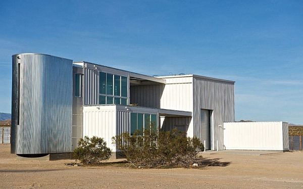 Container-House-in-Mojave-Desert-8