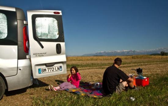 fourgon aménagé en camping car en famille