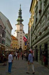 porte-saint-Michel-Bratislava-visite-en-famille